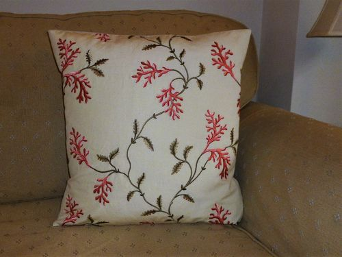 Colefax & fowler embroidered linen - Coral 50*50cm